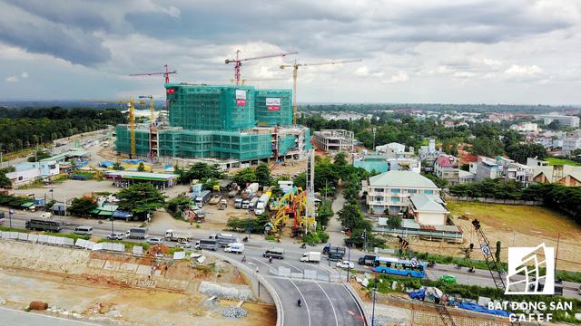 """Một số dự án bắt đầu """"kéo"""" đến trung tâm quận Thủ Đức để tận dụng cơ hội nhiều hạ tầng giao thông chuẩn bị đầu tư mở rộng."""